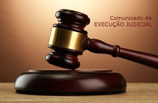 Comunicado de execução judicial - martelo de juiz - pequeno
