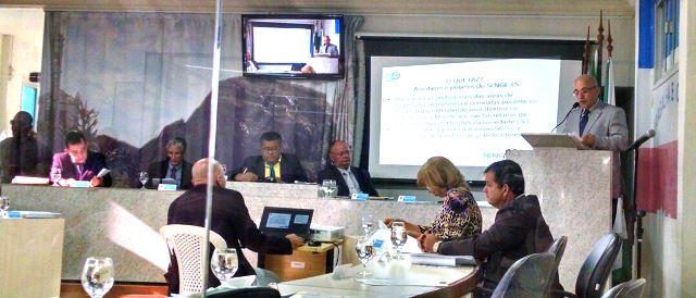 O diretor de Promoção Social, Luis Fernando Fiorotti Mathias, representou o presidente do Senge-ES, Ary Medina Sobrinho, na Tribuna Popular do plenário Vicente Santório Fantini